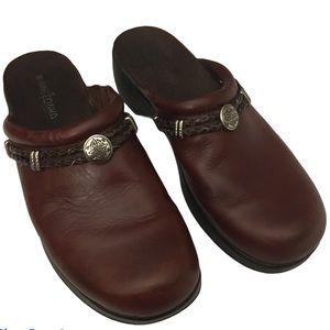 Minnetonka 8.5 Braided Western Brown Leather clogs